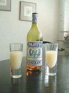 pastis--bottle_and_2_glasses