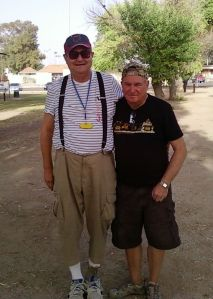 On the left, Steve Ferg (USA).  On the right, Daniel Duflot (France).  Which player do you think plays with the larger boule?